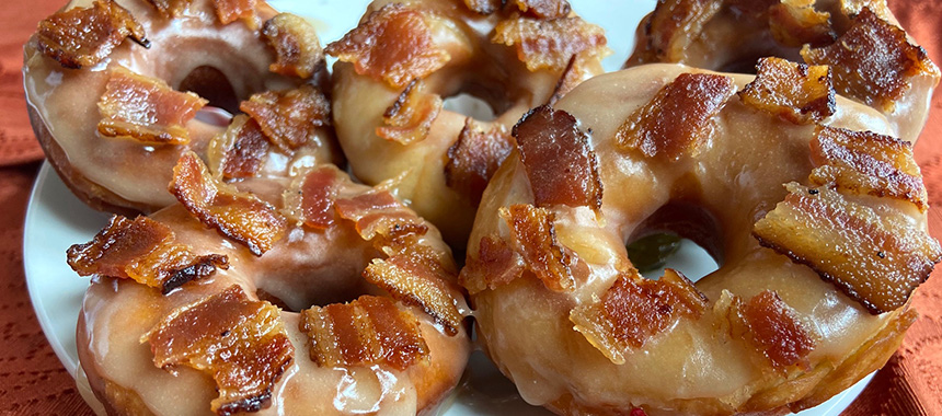 Donas de Maple con Tocino