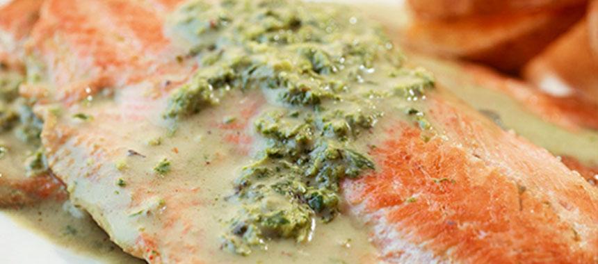 Trucha en Salsa de Cilantro